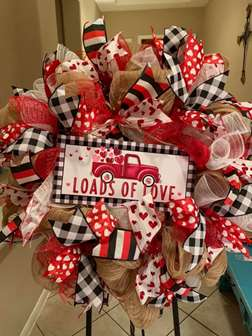DIY - Loads Of Love Wreath Making class