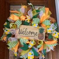 DIY - Welcome Pineapple Wreath Making class