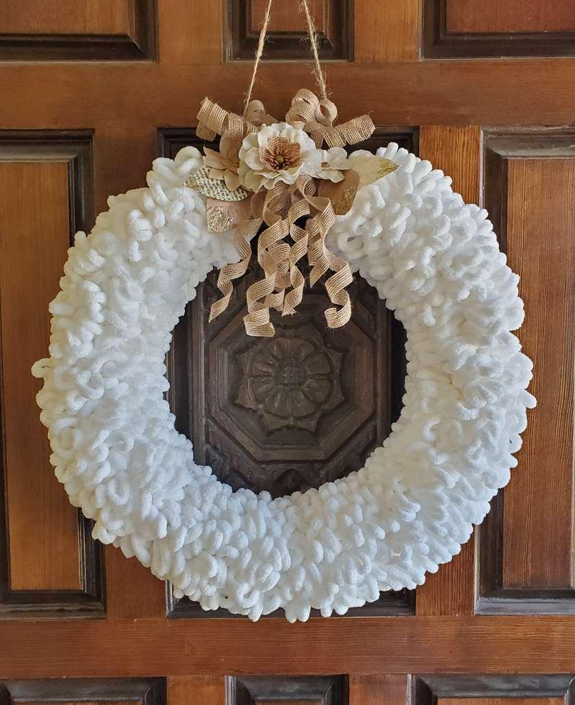 DIY Large Loopy Yarn Wreath