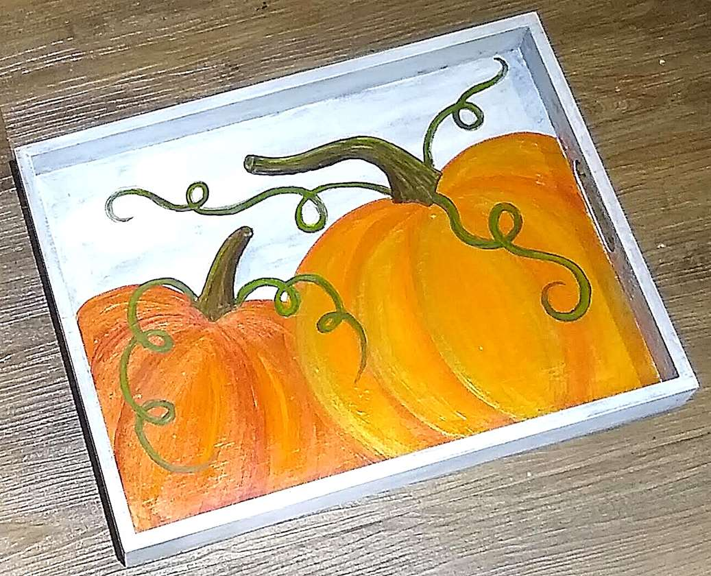 Painting Pumkins on a Flat Tray!