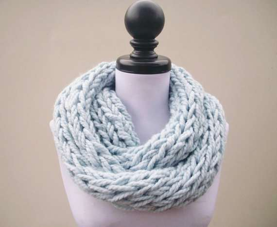 Hand looped infinit scarf