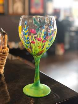 Hummingbird Garden Wine Glass