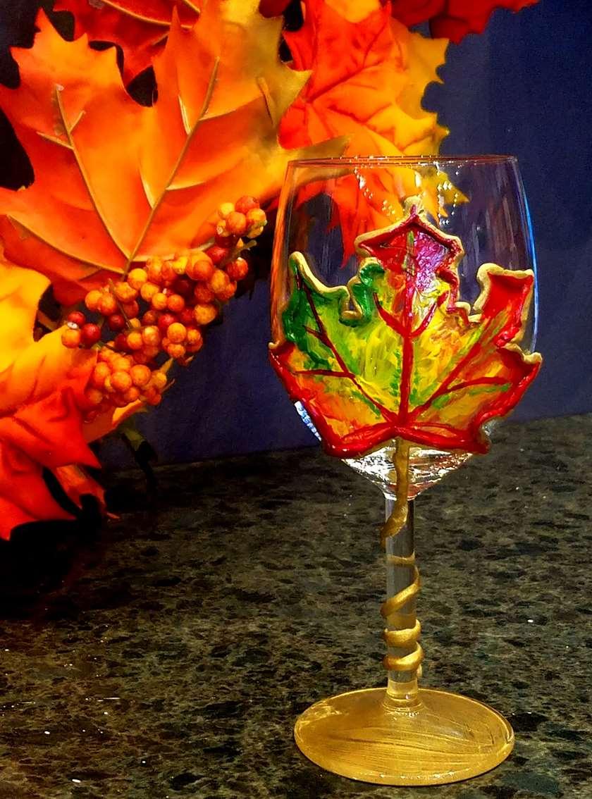 Maple Leaf Wine Glass